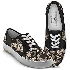 Disney Caught In The Moment Mickey Mouse And Minnie Mouse Women's Canvas Shoes