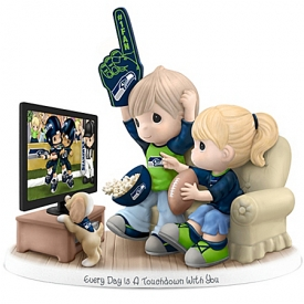Figurine: Precious Moments Every Day Is A Touchdown With You Seahawks Figurine