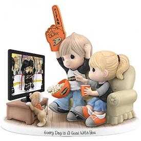 Figurine: Precious Moments Every Day Is A Goal With You Anaheim Ducks® Figurine