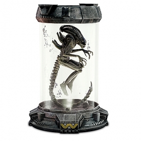 Aliens Illuminated Xenomorph Containment Capsule Handcrafted Sculpture Collection