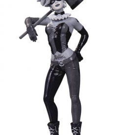 Batman Black & White Harley Quinn Statue by Bermejo